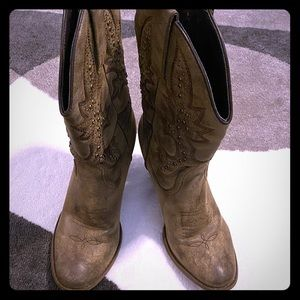Cowboy style boots with heels